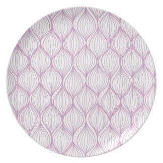 Purple ogee stripes pattern background dinner plate