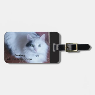 Purring all the way home. Fluffy cat Luggage Tag