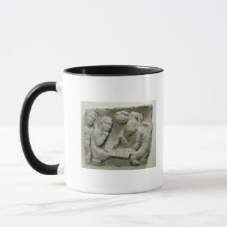 Putti playing latronculi mug