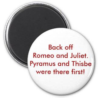 Pyramus and Thisbe 6 Cm Round Magnet