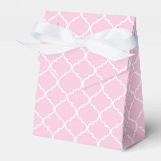 Quatrefoil Favour Box