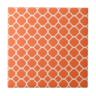 Quatrefoil Pattern in Mandarin Orange and White Small Square Tile