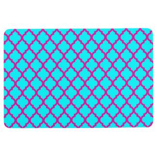 QUATREFOIL PATTERN PILLOW, Cyan Blue & Hot Pink Floor Mat