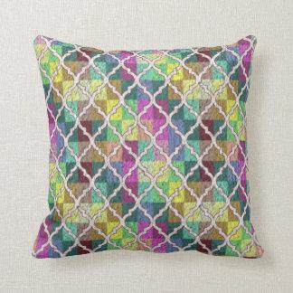QUATREFOIL PATTERN PILLOW, Multicolor Cushion