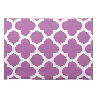 quatrefoil pattern radiant purple orchid place mats