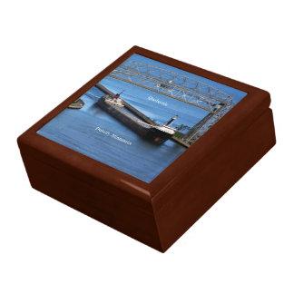 Quebecois Duluth keepsake box