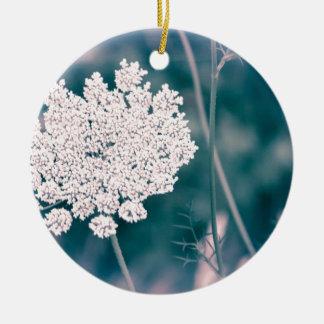 Queen Anne Lace Flower Round Ceramic Decoration