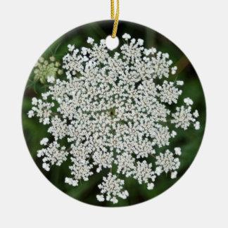 queen anne's lace - Joy Round Ceramic Decoration