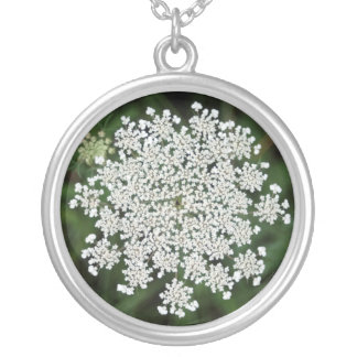 Queen Anne's Lace Round Pendant Necklace