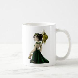 Queen Magnacious Basic White Mug