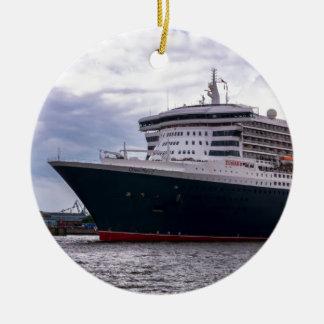 Queen Mary II in Hamburg Harbour Round Ceramic Decoration