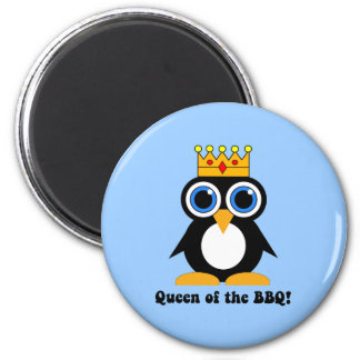 queen of the barbecue 6 cm round magnet