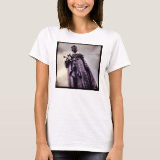 Queen Victoria Statue Shirt
