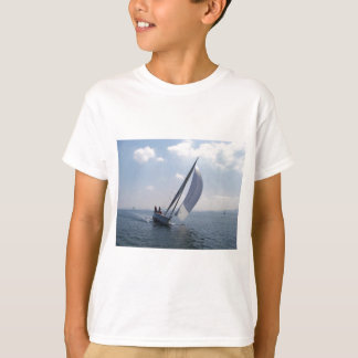 Racing yacht at speed. T-Shirt