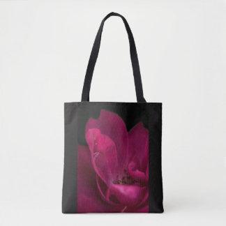 Rain on the rose tote bag