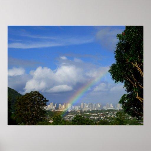 Rainbow over Waikiki Posters