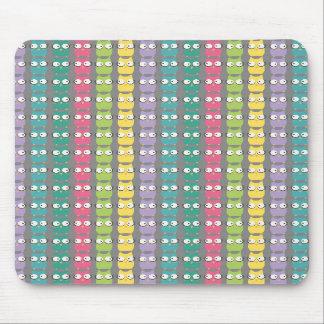 RainbOwls Pattern Mousepad