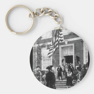 Raising the first flag at Independence_War Image Basic Round Button Key Ring