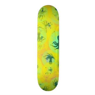 Random octopuses 20.6 cm skateboard deck