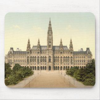 Rathaus, Vienna, Austria Mouse Mat