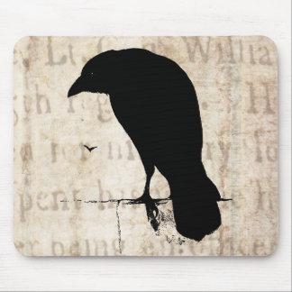 Raven Silhouette - Vintage Retro Ravens & Crows Mouse Mat