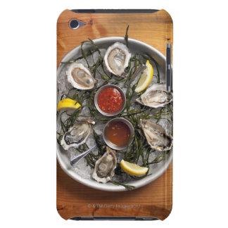 Raw oysters arranged iPod touch case