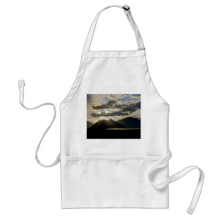 RAYS OF LIGHT OVER THE GRAND TETONS STANDARD APRON