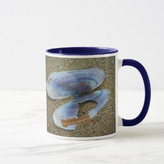 Razor Clam Shell, Oregon Mug
