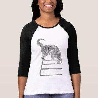 Reader Black Cat t-shirt in Retro Halftone Style