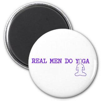 real men do yoga 6 cm round magnet