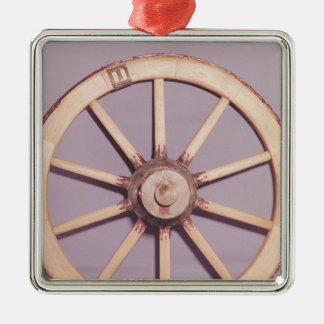 Reconstruction of a wheel christmas ornament