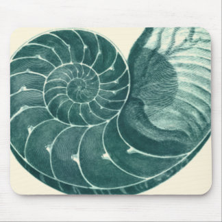 Red and Green Seashell Art Mouse Mat