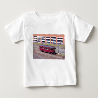 Red Arrow Lines Brill Car #76 Tee Shirt