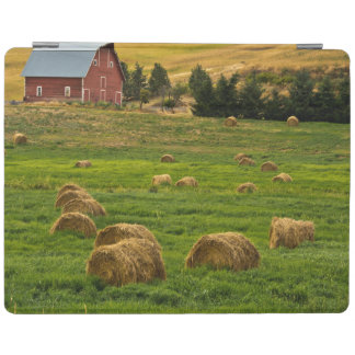 Red Barn, hay bales, Albion, Palouse Area 2 iPad Cover