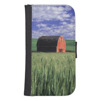 Red barn in wheat & barley field in Whitman Samsung S4 Wallet Case