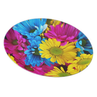 red,blue and yellow daisies plate