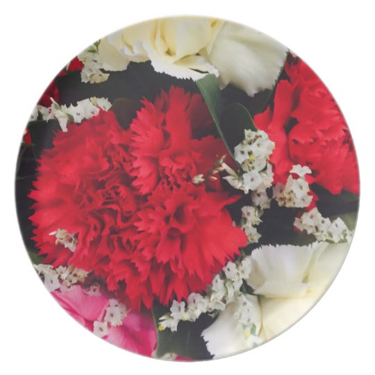 red carnations baby breath picnic fun plate