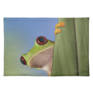 Red Eyed Tre Frog Peeking From Behind a Leaf Placemat