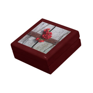 Red Flowers On Barn Door Small Square Gift Box