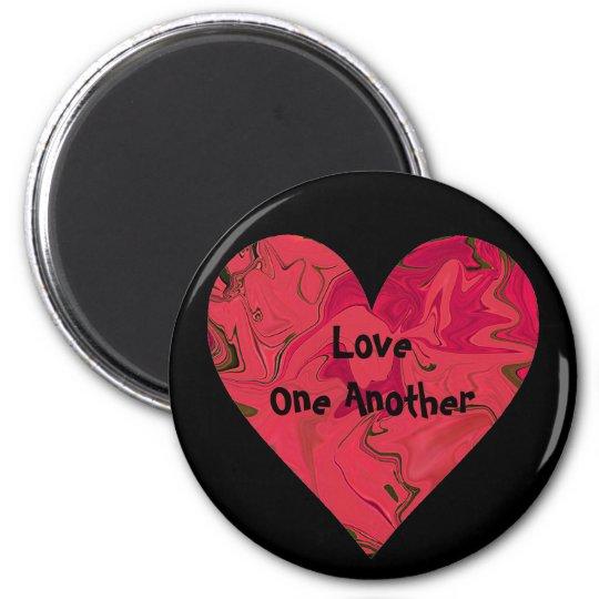 Red Heart frigde art 6 Cm Round Magnet