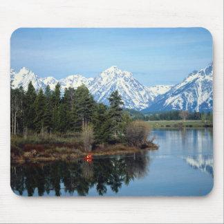 Red Kayak, Grand Teton National Park, USA Mouse Pads