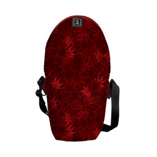 Red maple leaves pattern commuter bag