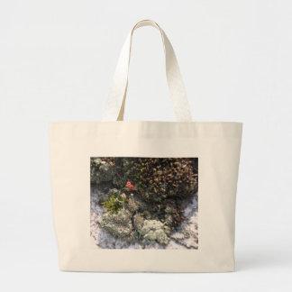 Red Moss Bag