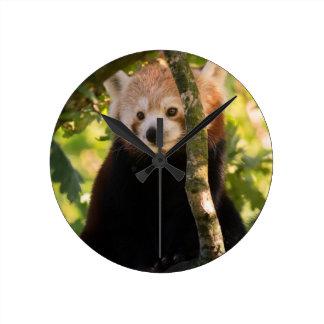 Red panda round clock