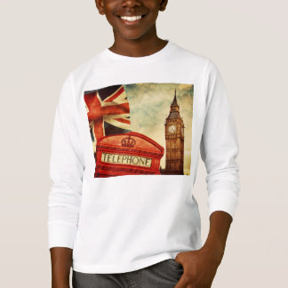 Red telephone booth and Big Ben in London, England T-Shirt