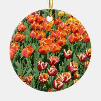 Red tulips round ceramic decoration