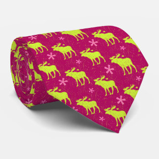 Reindeer silhouette and small hearts on pink red tie