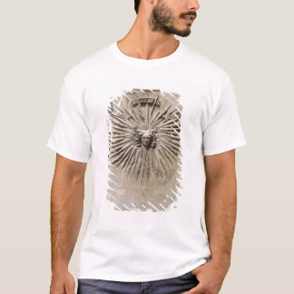 Relief of the sun from the facade T-Shirt
