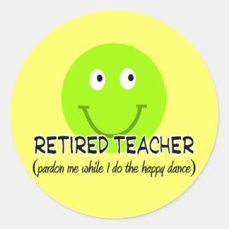"Retired Teacher Green Smiley ""Happy Dance"" Gifts Round Stickers"