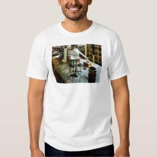 Retort in Chem Lab T Shirts